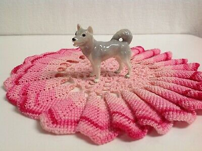 Miniature Hagen-Renaker Grey Huskey Dog Very Nice Detailing.
