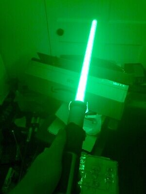 STAR WARS YODA FX GREEN LIGHT SABRE LIGHTS SOUNDS & Vibration GREAT Condition