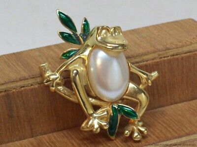 Vintage Tree Frog Faux Pearl Belly Pin on Branch Signed Giovani Gold Tone Brooch