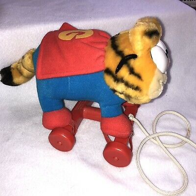 1988 Garfield the Cat Caped Super Hero Pull Toy Dakin Purrs *See Condition*