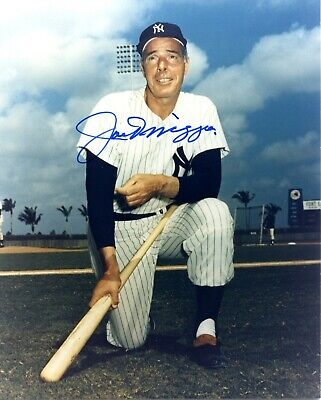 JOE DiMAGGIO AUTOGRAPHED 8 X 10 PHOTO NEW YORK YANKEES THE YANKEE CLIPPER