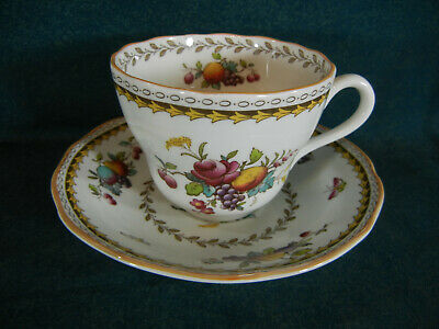 Copeland Spode Rockingham Y5194 Cup and Saucer Set(s)