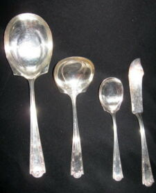 R. Wallace SILVERPLATE SERVING PIECES Lot of 4    LOUVRE 1914    Vintage