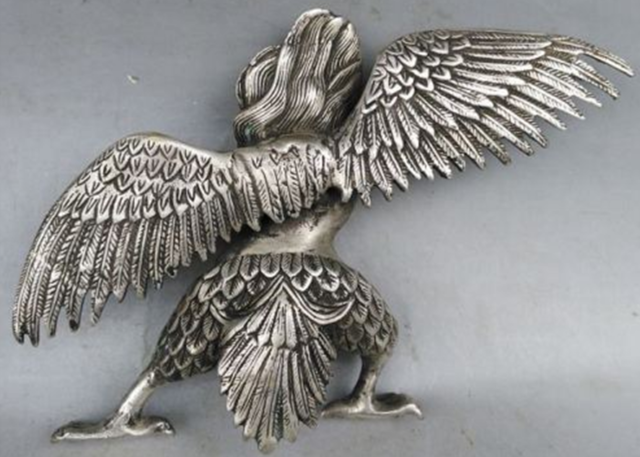 Chinese Old Tibet Tibetan Silver Hand Carved Redpoll Winged Garuda Statue 4